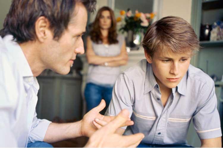 آگاه کردن نوجوانان درباره خطرات اعتیاد