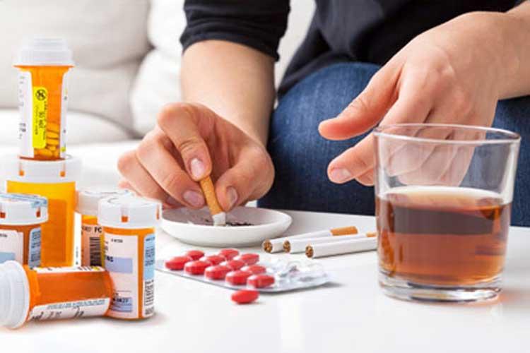 اعتیاد نوجوانان به داروهای تجویزی