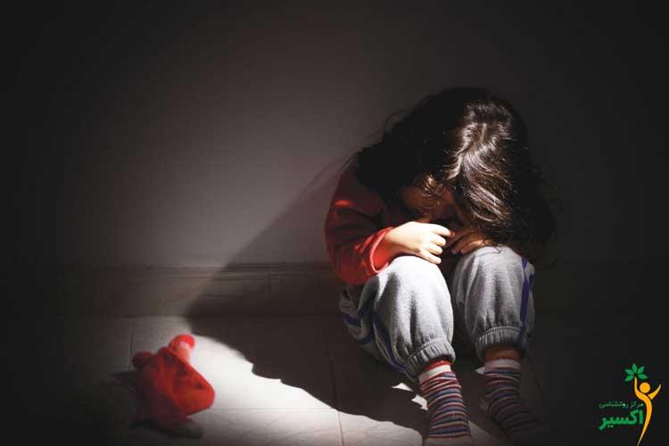 بررسی عوامل بدرفتاری با کودک