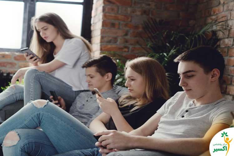 آثار فضای مجازی و نوجوانان