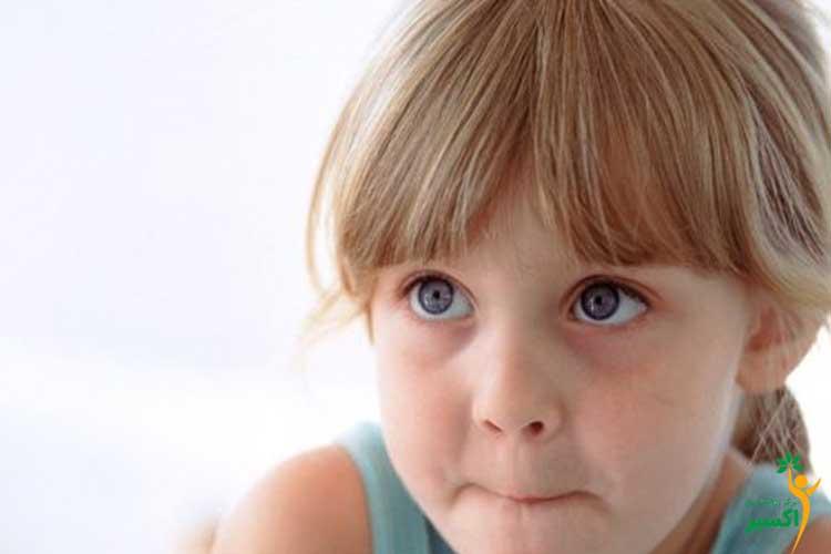 بررسی سن شروع لکنت زبان