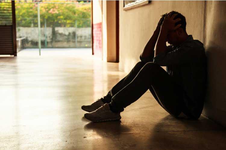 شکست عاطفی و افسردگی