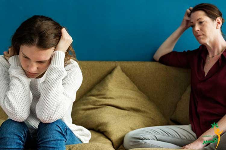 صحبت کردن والدین با فرزندان درباره علائم بلوغ دختران