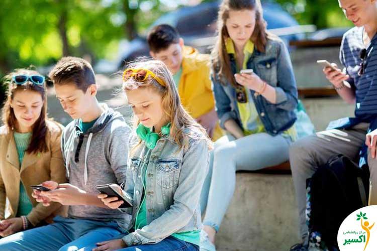 فضای مجازی و مهارت اجتماعی نوجوانان