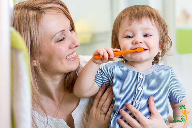 ضرورت مسواک زدن در کودکان