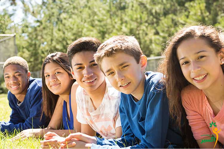 نوجوانان در مرکز مشاوره نوجوان در شرق تهران