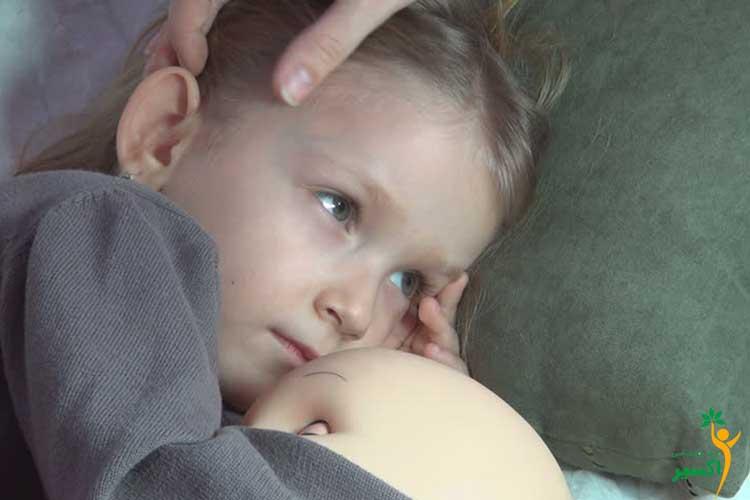 اثرات نوازش کردن کودکان