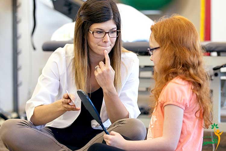 تلاش والدین برای درمان لکنت زبان