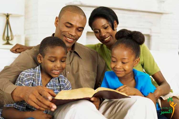 کتاب خواندن والدین برای کودکان