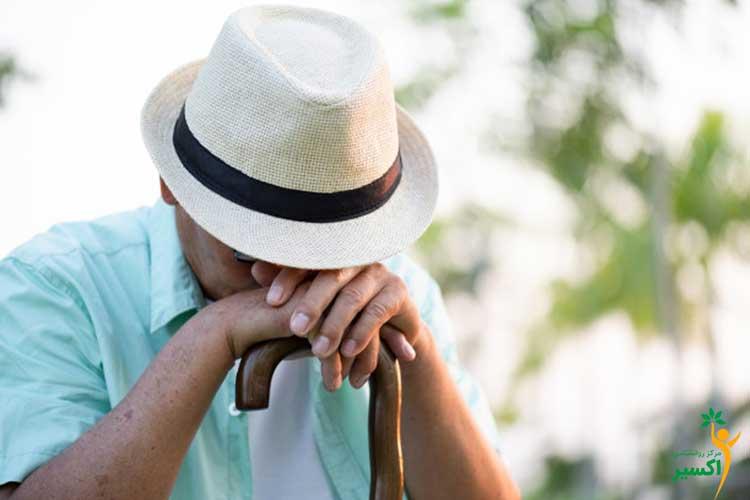 علت افسردگی در سالمندان
