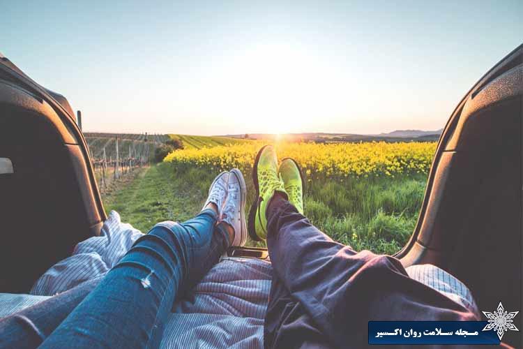 دست از انتظار کشیدن برای جمعه، تابستان، فردی برای عاشق شدن و زندگی بردارید.